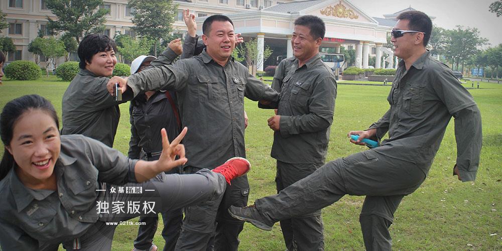 一群对儿童拓展事业抱有共同理想的人相约6月聚在了上海众基,他们每个人身上都有不一样的闪光点,7天的时间,我们看见了这群人他们对儿童事业的热爱,他们拼搏努力的内心,他们对未来的美好愿景。相信他们中的每个人都能完成自己的梦想。